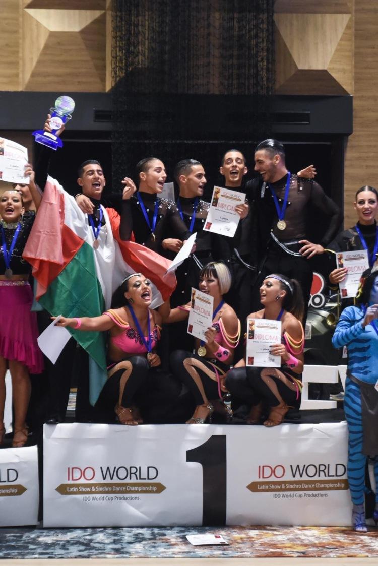 I Campioni del Mondo della Special Stars Dancing